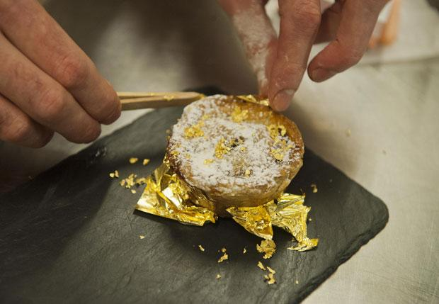£3,000 Mince Pie for OTT Christmas Dishes