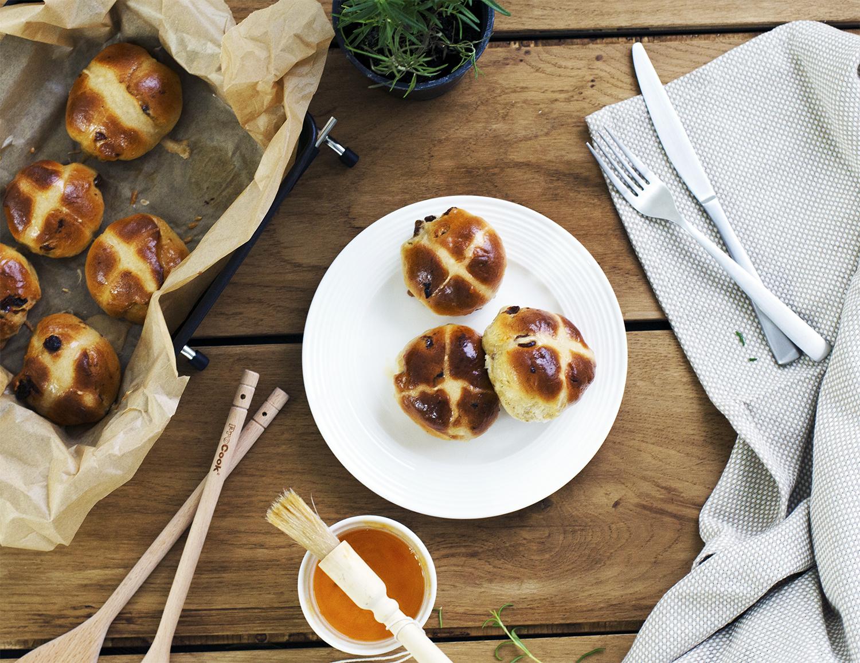 ProCook Easter Hot Cross Buns Recipe