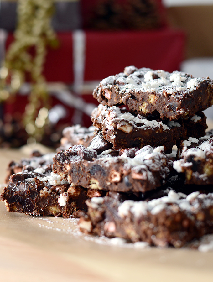 Simple bakes recipe three, Rocky Road stack served on ProCook chopping board