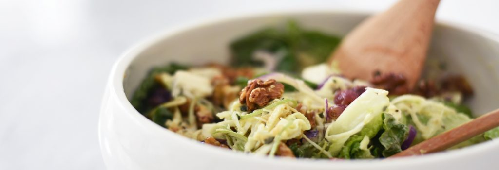 Ideal for making a delicious Spiralized Waldorf Salad, our ProCook spiralizer is great for turning celeriac and green apples into exciting new textures for a dish perfect for summer BBQs