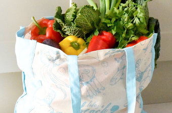 ProCook Life's a Beach plastic free shopper bag filled with vegetables