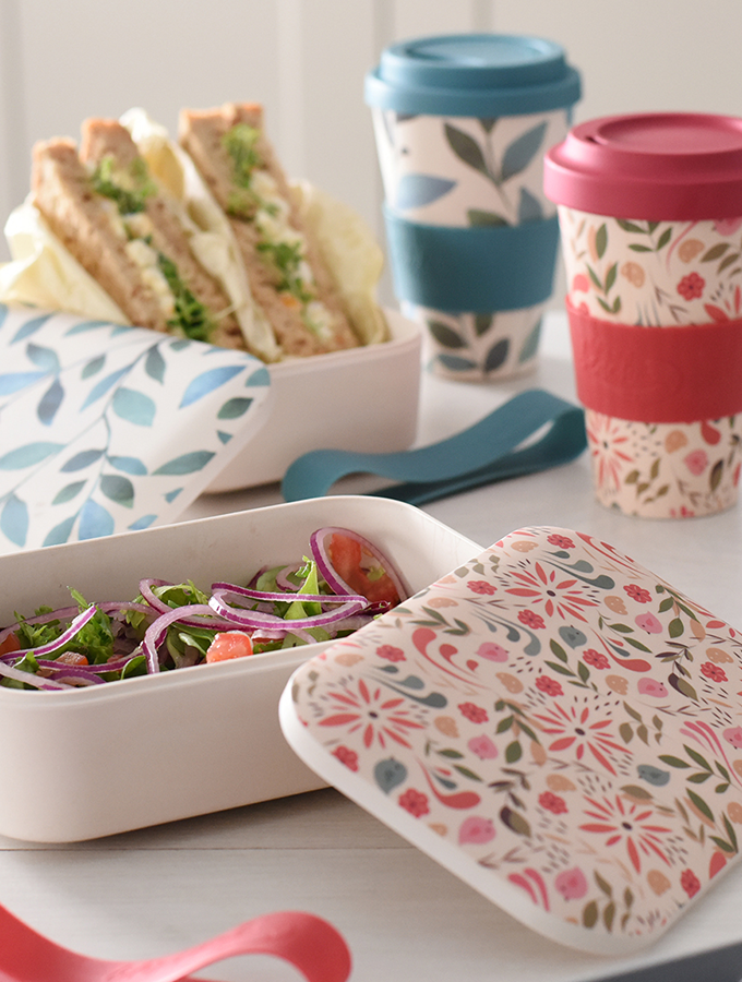 ProCook Life's a Beach Lunchboxes filled with sandwiches for a picnic