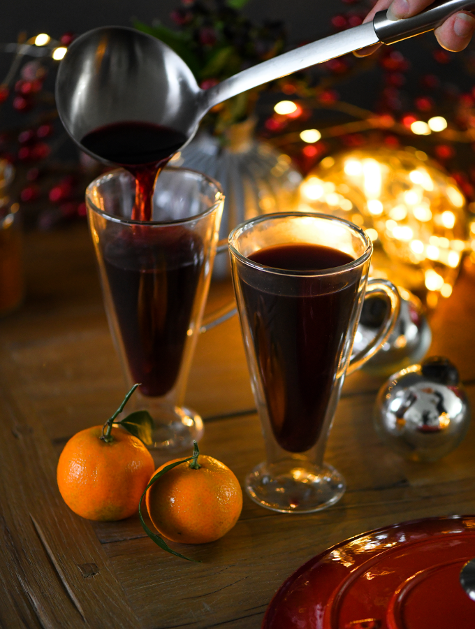 Mulled wine being ladled into ProCook double walled glasses