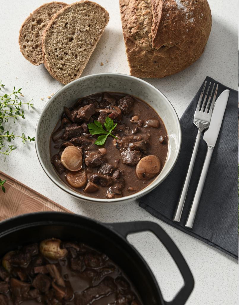 Single serving of Boeuf Bourguignon in a ProCook Oslo Pasta Bowl